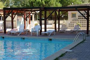 Camping les jardins de tivoli grau du roi mobilhome i21 for Camping le jardin de tivoli